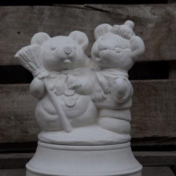 beer en sneeuwman op basis