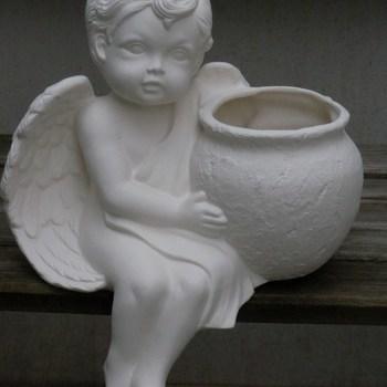 engel groot zit met pot