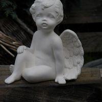 engel zit 1 been omhoog