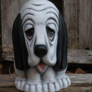 hond basset medium zit