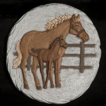 tegel paard staand
