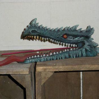 wierookhouder drakenkop bek open