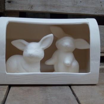 konijnenhok met konijntjes