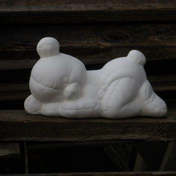 beer pamper klein slapend